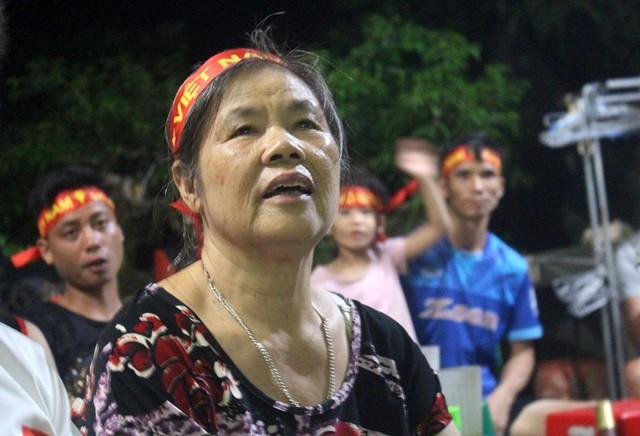 Người dân quê tiếc nuối khi tuyển Việt Nam hòa Thái Lan - Ảnh 13.