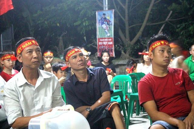 Người dân quê tiếc nuối khi tuyển Việt Nam hòa Thái Lan - Ảnh 3.