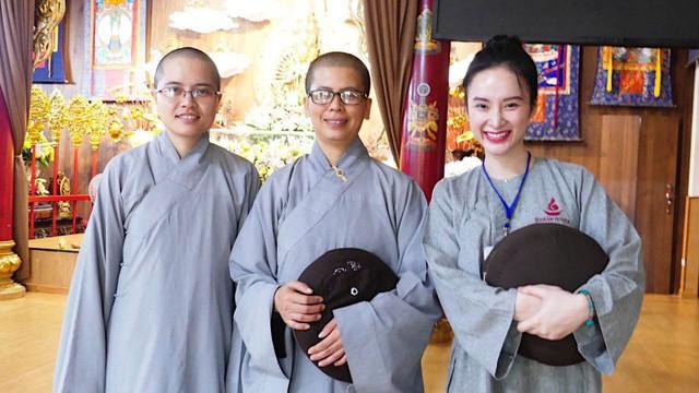 Sau thời gian ở ẩn, tích cực tham gia nhiều khóa tu và dự án từ thiện, Angela Phương Trinh bất ngờ trở lại khoe thân hình nóng bỏng  - Ảnh 1.