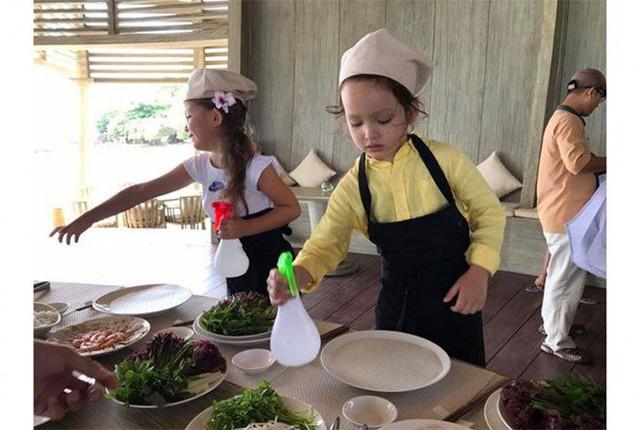 Khoe con gái xinh làm bếp trưởng nhưng Hồng Nhung tiếc đứt ruột vì quên mất một điều  - Ảnh 11.