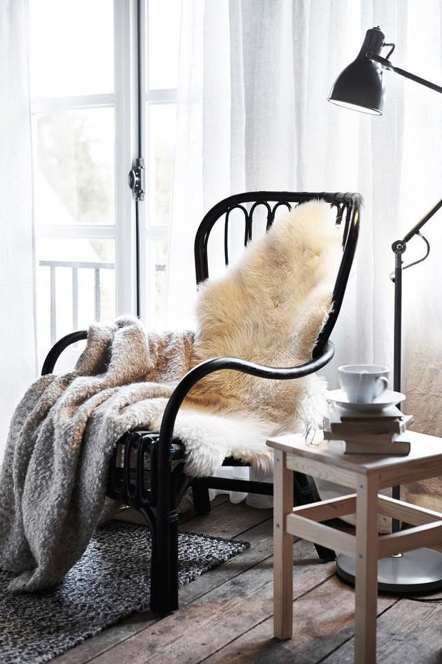Những cách dùng ghế thông minh, không chỉ dùng để ngồi mà còn trang trí nhà cực lạ mắt - Ảnh 11.
