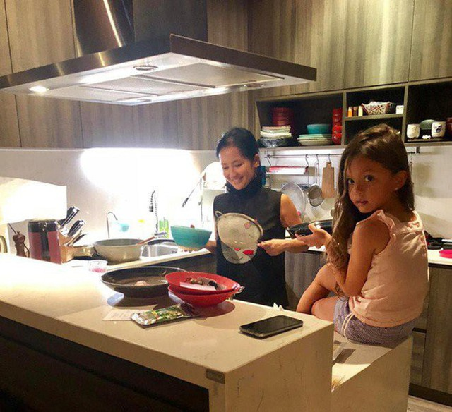 Khoe con gái xinh làm bếp trưởng nhưng Hồng Nhung tiếc đứt ruột vì quên mất một điều  - Ảnh 12.