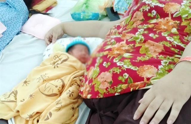 Bác sĩ cân não khi thai phụ nặng 162 kg không thể gây mê trong lúc vượt cạn - Ảnh 3.
