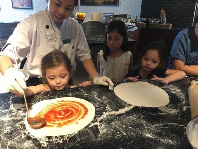 Khoe con gái xinh làm bếp trưởng nhưng Hồng Nhung tiếc đứt ruột vì quên mất một điều  - Ảnh 5.