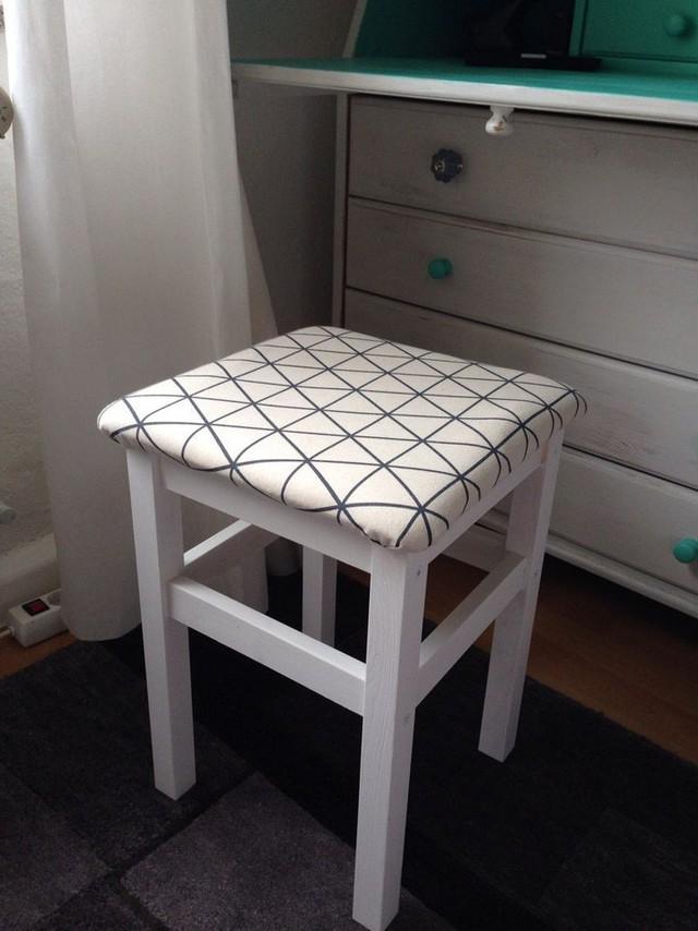 Những cách dùng ghế thông minh, không chỉ dùng để ngồi mà còn trang trí nhà cực lạ mắt - Ảnh 5.