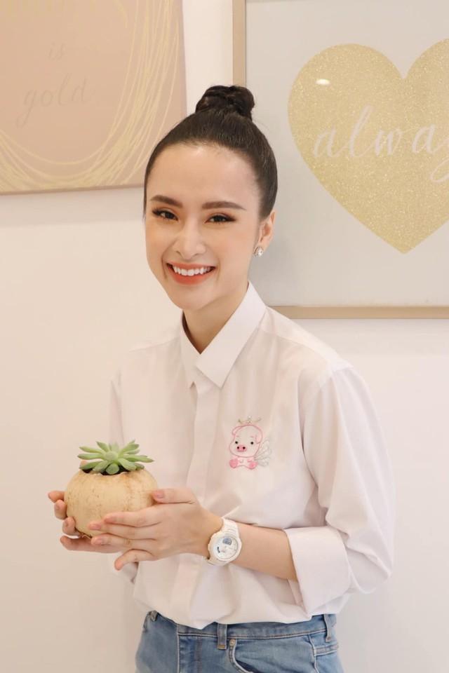 Sau thời gian ở ẩn, tích cực tham gia nhiều khóa tu và dự án từ thiện, Angela Phương Trinh bất ngờ trở lại khoe thân hình nóng bỏng  - Ảnh 5.