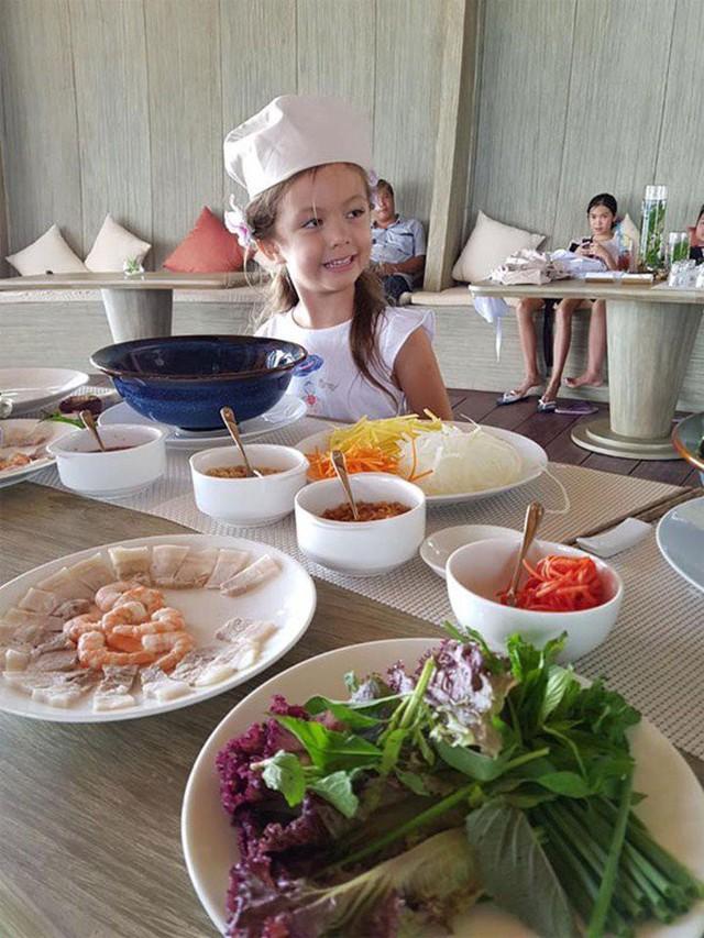 Khoe con gái xinh làm bếp trưởng nhưng Hồng Nhung tiếc đứt ruột vì quên mất một điều  - Ảnh 7.