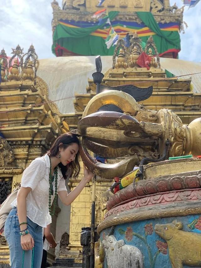 Sau thời gian ở ẩn, tích cực tham gia nhiều khóa tu và dự án từ thiện, Angela Phương Trinh bất ngờ trở lại khoe thân hình nóng bỏng  - Ảnh 8.
