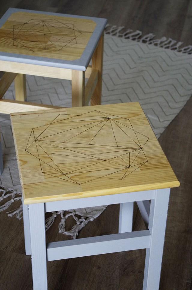 Những cách dùng ghế thông minh, không chỉ dùng để ngồi mà còn trang trí nhà cực lạ mắt - Ảnh 9.