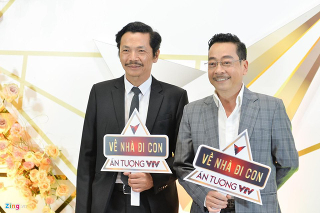 VTV Awards: NSND Trung Anh, Bảo Thanh Về nhà đi con giành giải Diễn viên ấn tượng - Ảnh 1.