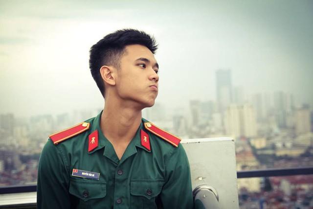 """Hotboy 9X trường quân sự """"siêu cấp đẹp trai"""" nhiều tài lẻ - Ảnh 14."""