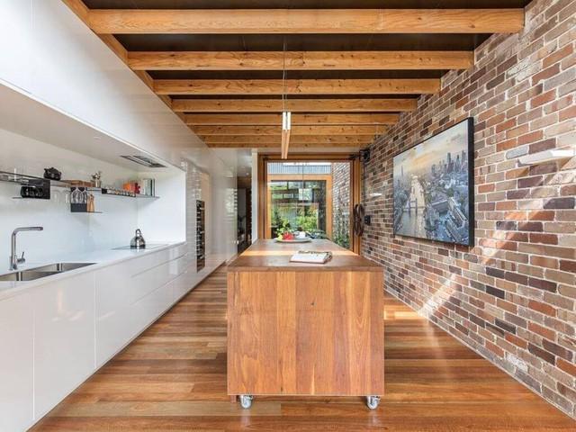 Ngôi nhà phố được thiết kế để giảm thiểu chi phí sinh hoạt, còn trồng rau nuôi gà ngay trong nhà nhưng vẫn sạch sẽ - Ảnh 18.