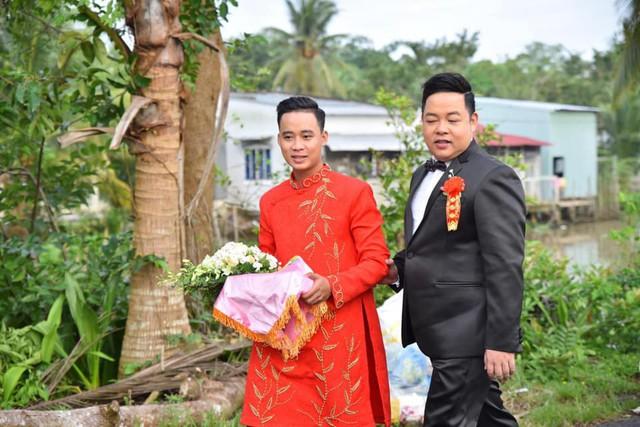 Ca sĩ Quang Lê làm bố chồng ở tuổi 39, đích thân đưa con trai xuống miền Tây rước dâu - Ảnh 1.