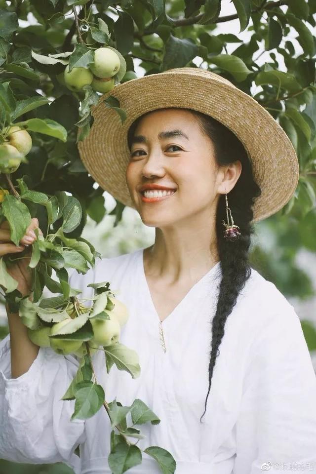 Cô gái trẻ bỏ ra 1,3 tỷ đồng cải tạo đất, mua giống hoa, biến sân nhà thành khu vườn đẹp lung linh  - Ảnh 13.