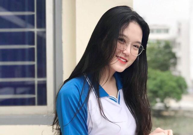 Những cô gái xinh đẹp, học giỏi của ĐH Bách khoa Hà Nội - Ảnh 4.
