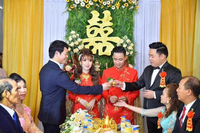 Ca sĩ Quang Lê làm bố chồng ở tuổi 39, đích thân đưa con trai xuống miền Tây rước dâu - Ảnh 4.
