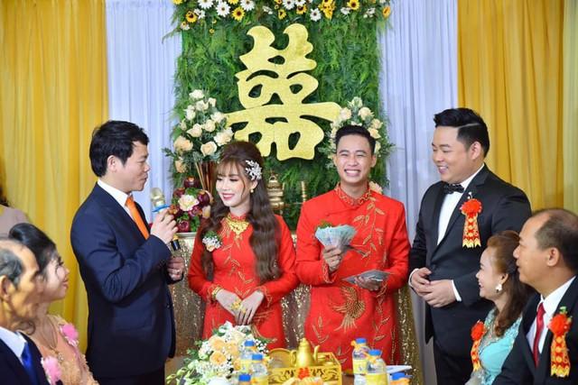 Ca sĩ Quang Lê làm bố chồng ở tuổi 39, đích thân đưa con trai xuống miền Tây rước dâu - Ảnh 5.