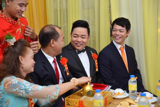 Ca sĩ Quang Lê làm bố chồng ở tuổi 39, đích thân đưa con trai xuống miền Tây rước dâu - Ảnh 7.