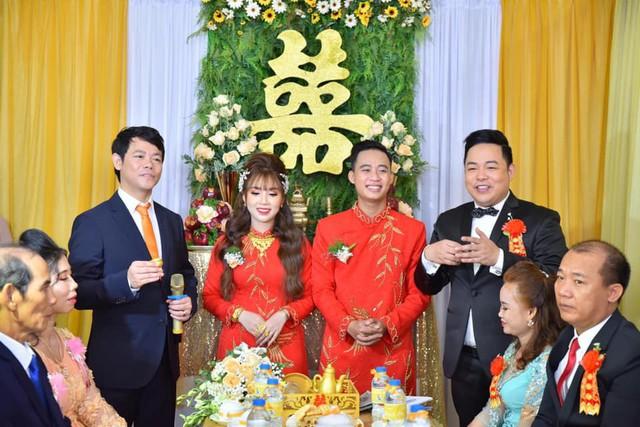 Ca sĩ Quang Lê làm bố chồng ở tuổi 39, đích thân đưa con trai xuống miền Tây rước dâu - Ảnh 9.