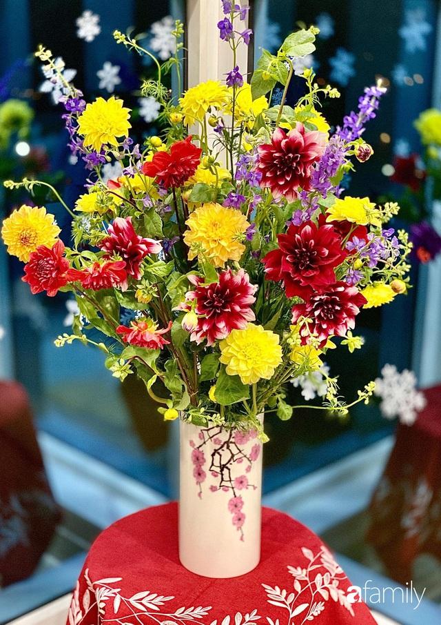 Ngày đầu năm ghé thăm những góc nhỏ dịu dàng sắc hoa trong căn nhà ấm cúng của bà mẹ trẻ Hà Nội - Ảnh 20.