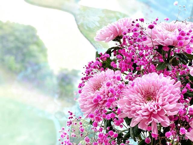 Ngày đầu năm ghé thăm những góc nhỏ dịu dàng sắc hoa trong căn nhà ấm cúng của bà mẹ trẻ Hà Nội - Ảnh 4.