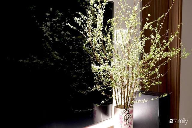 Ngày đầu năm ghé thăm những góc nhỏ dịu dàng sắc hoa trong căn nhà ấm cúng của bà mẹ trẻ Hà Nội - Ảnh 22.