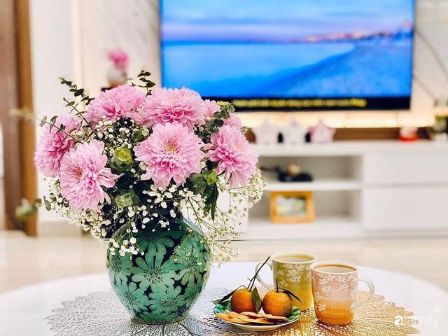 Ngày đầu năm ghé thăm những góc nhỏ dịu dàng sắc hoa trong căn nhà ấm cúng của bà mẹ trẻ Hà Nội - Ảnh 6.