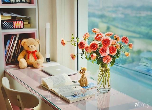 Ngày đầu năm ghé thăm những góc nhỏ dịu dàng sắc hoa trong căn nhà ấm cúng của bà mẹ trẻ Hà Nội - Ảnh 7.