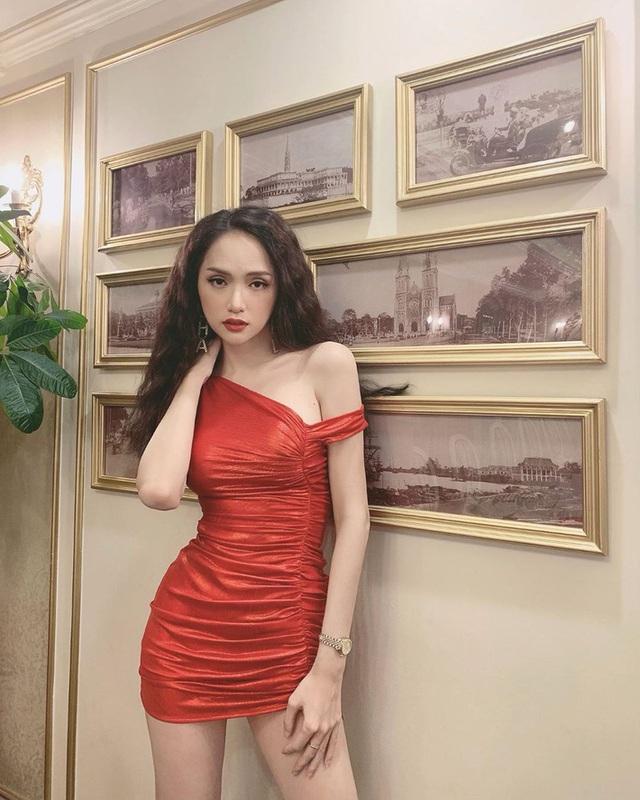"""Chứng minh body chuẩn, dàn mỹ nhân Vbiz diện váy siêu ngắn siêu bó: Chẳng hở mà vẫn hot """"bức người"""" - Ảnh 7."""