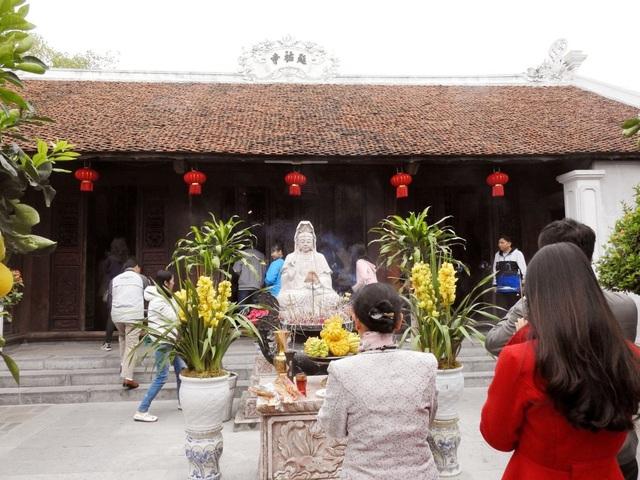 Những điều quan trọng không bao giờ được quên khi đi lễ chùa đầu năm Canh Tý - Ảnh 2.