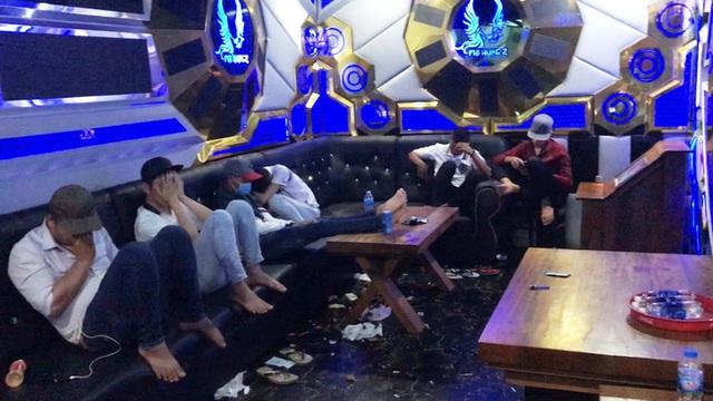 Chơi ma túy lúc rạng sáng ở quán karaoke từng bị đình chỉ vì... ma túy  - Ảnh 2.