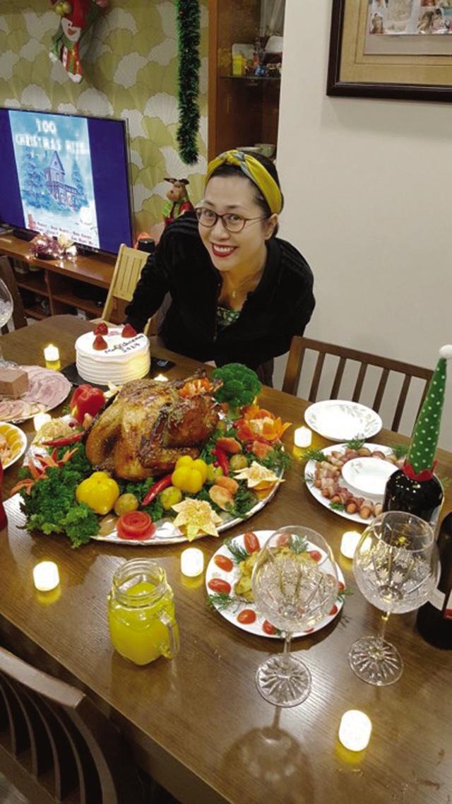 Biên kịch Đặng Thiếu Ngân: Mâm cơm Tết có thịt gà, bánh chưng nhưng vẫn có kim chi, bosam Hàn Quốc - Ảnh 2.