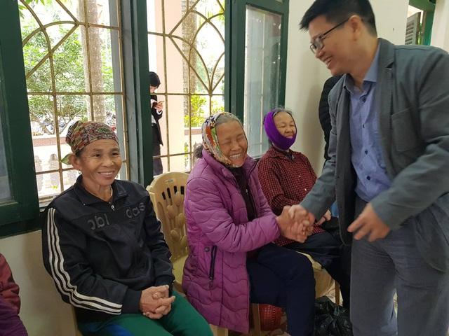 Nụ cười đón Tết Canh Tý sớm ở làng phong - Ảnh 5.