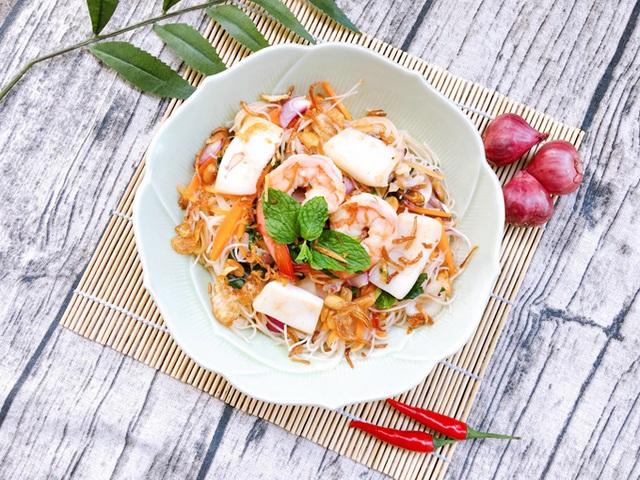 Bún gạo trộn hải sản - Ảnh 1.