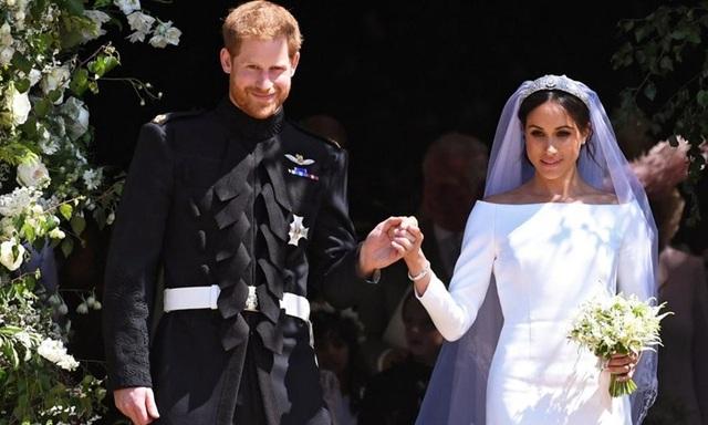 Nữ hoàng Anh dàn xếp chuyện nhà trong bữa trưa - Ảnh 1.