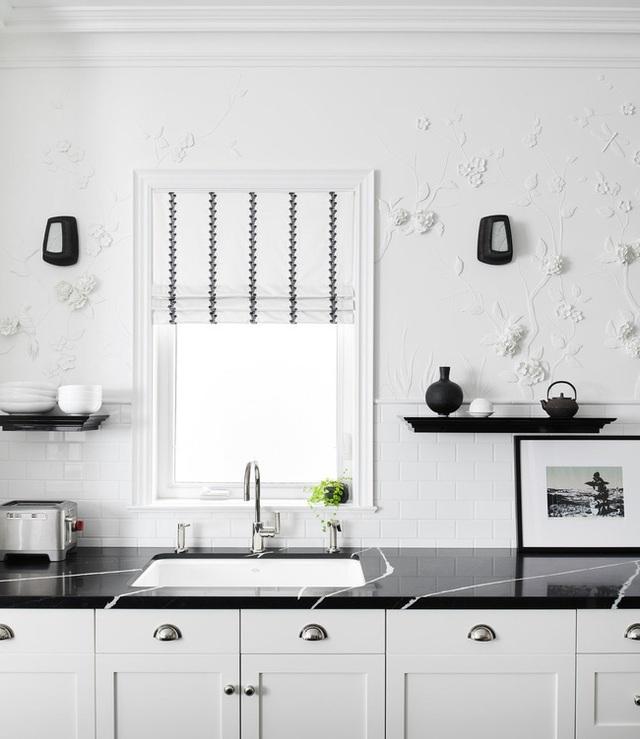 Căn bếp đen - trắng vừa đẹp vừa sang lại luôn gọn gàng ngăn nắp - Ảnh 13.