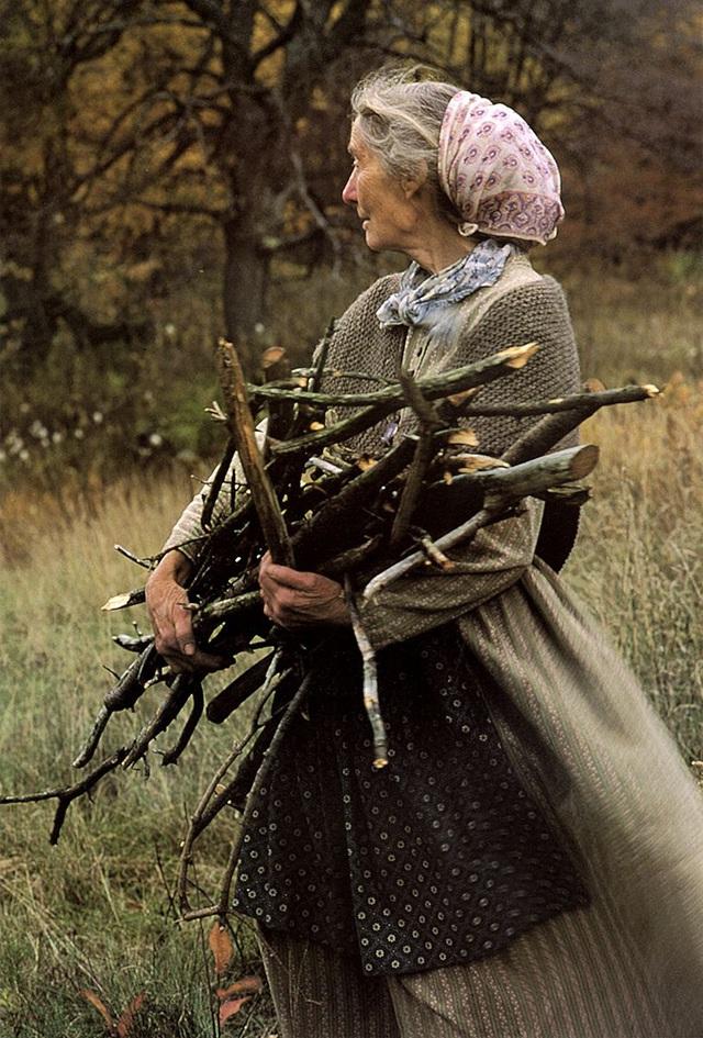 Cuộc sống an yên của cụ bà 92 tuổi bên khu vườn chính mình tự tay trồng hoa, rau quả ở vùng thôn quê - Ảnh 15.