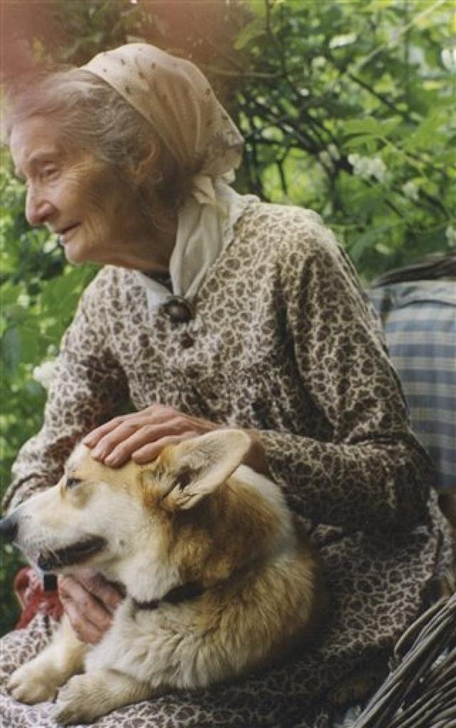 Cuộc sống an yên của cụ bà 92 tuổi bên khu vườn chính mình tự tay trồng hoa, rau quả ở vùng thôn quê - Ảnh 16.