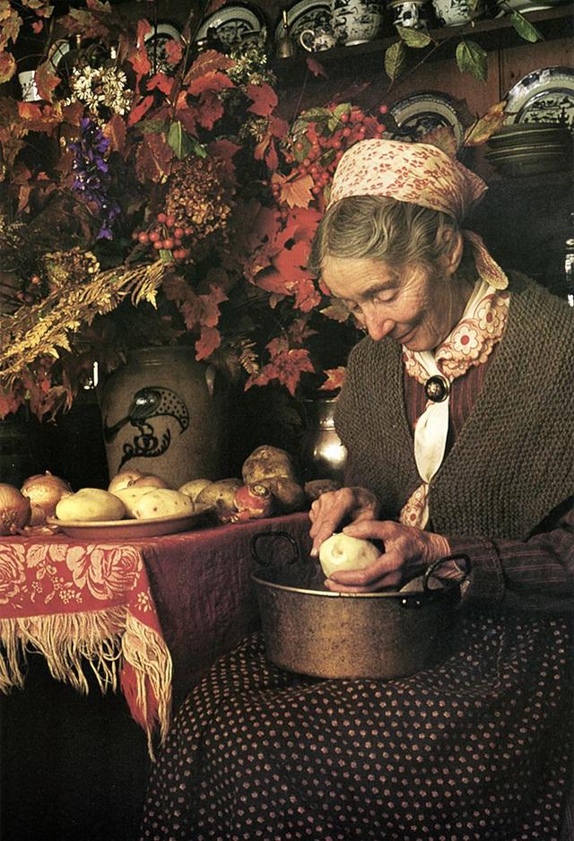 Cuộc sống an yên của cụ bà 92 tuổi bên khu vườn chính mình tự tay trồng hoa, rau quả ở vùng thôn quê - Ảnh 17.