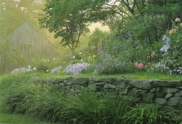 Cuộc sống an yên của cụ bà 92 tuổi bên khu vườn chính mình tự tay trồng hoa, rau quả ở vùng thôn quê - Ảnh 6.