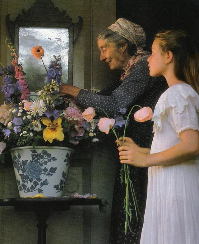 Cuộc sống an yên của cụ bà 92 tuổi bên khu vườn chính mình tự tay trồng hoa, rau quả ở vùng thôn quê - Ảnh 11.