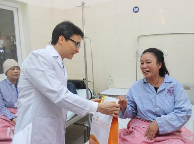Ngành Y tế 2019: Từ bệnh viện không tiếng loa gọi tên…đến nền y tế thông minh, hiện đại - Ảnh 1.
