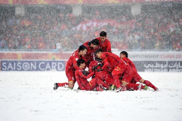 Xúc động trước chia sẻ của trợ lý ngôn ngữ U23 trước trận đấu quyết định của ĐT Việt Nam - Ảnh 2.