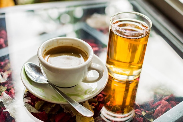 Những thực phẩm trở thành thuốc độc khi dùng chung với rượu - Ảnh 6.