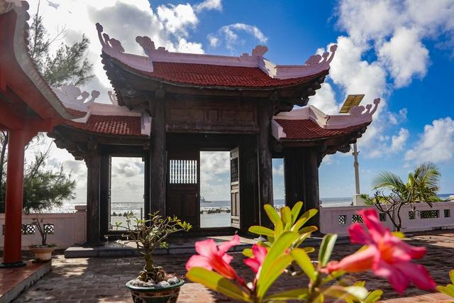 Hào sảng chuông chùa giữa Trường Sa - Ảnh 2.
