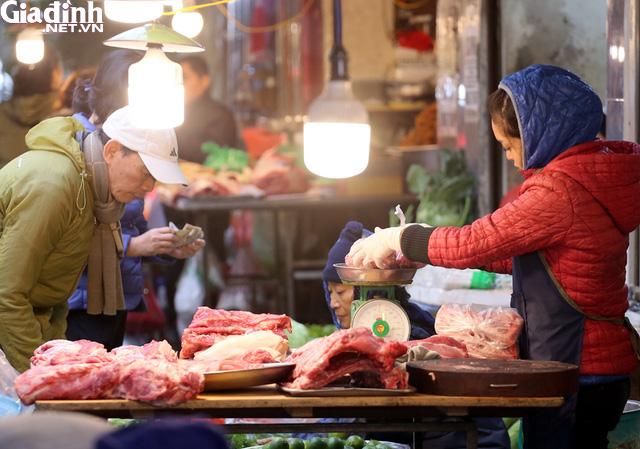 Mục sở thị chợ nhà giàu ngày Tết đậm chất quê giữa trung tâm Hà Nội - Ảnh 5.