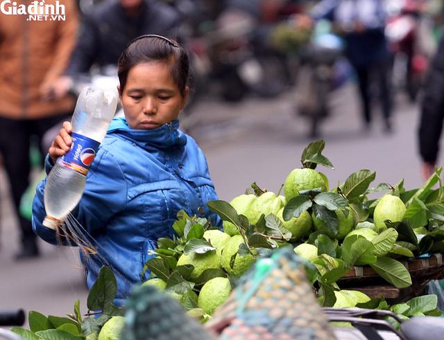 Mục sở thị chợ nhà giàu ngày Tết đậm chất quê giữa trung tâm Hà Nội - Ảnh 6.