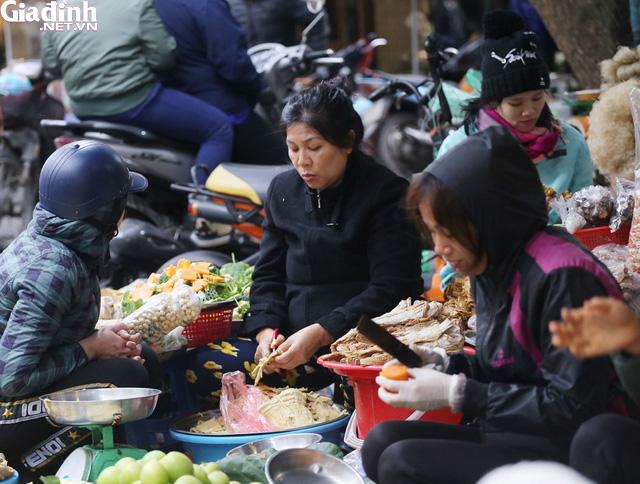 Mục sở thị chợ nhà giàu ngày Tết đậm chất quê giữa trung tâm Hà Nội - Ảnh 10.