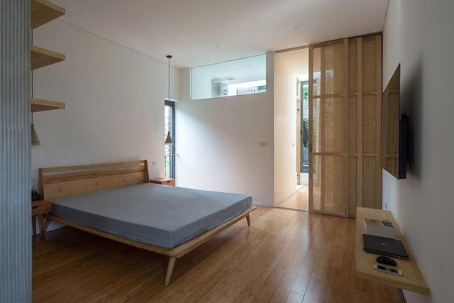 Ngôi nhà với thiết kế 2 lớp mặt tiền chống khói bụi ở Hà Nội - Ảnh 12.