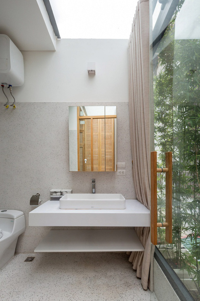 Ngôi nhà với thiết kế 2 lớp mặt tiền chống khói bụi ở Hà Nội - Ảnh 14.